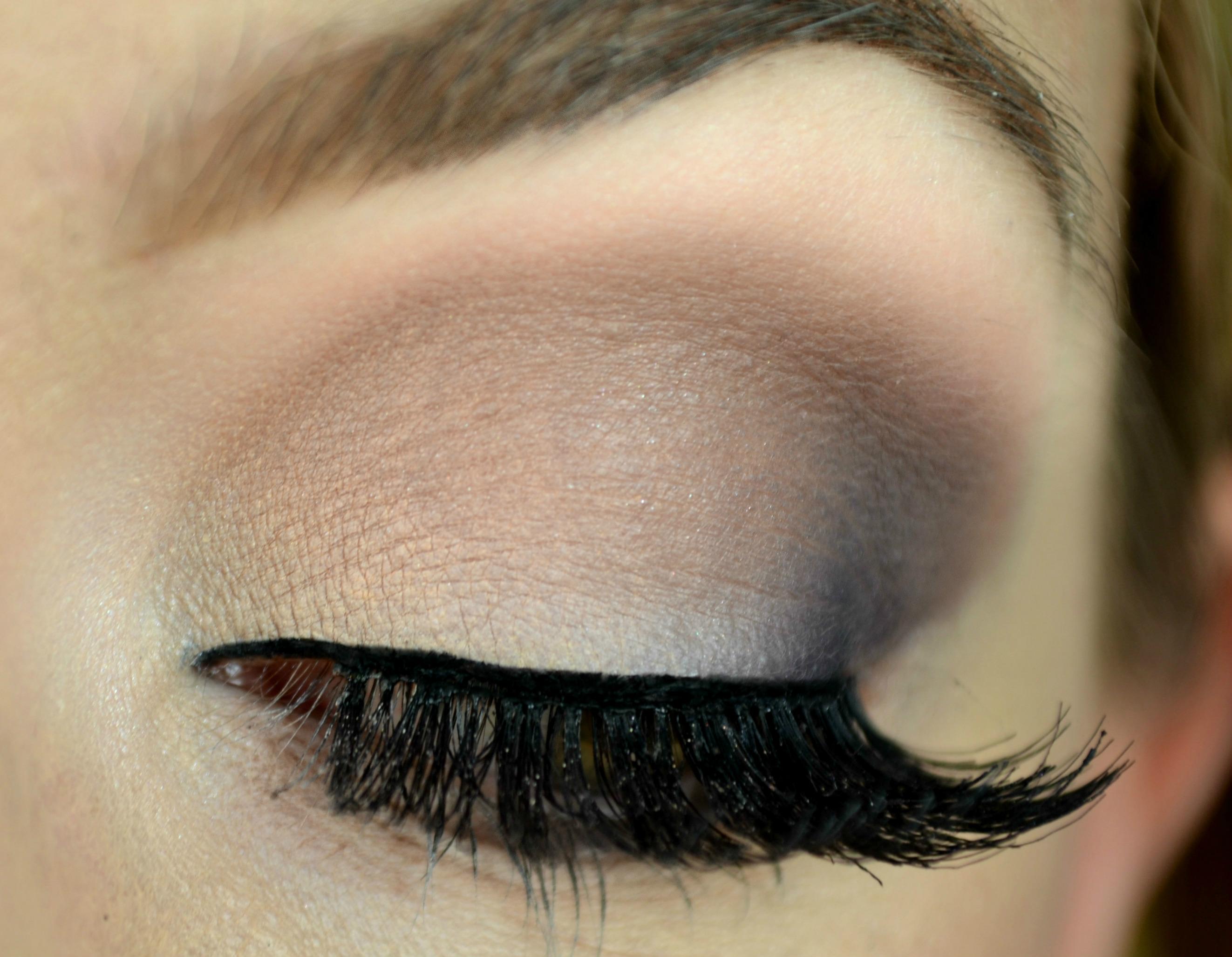 Matte eye shadows mature skin